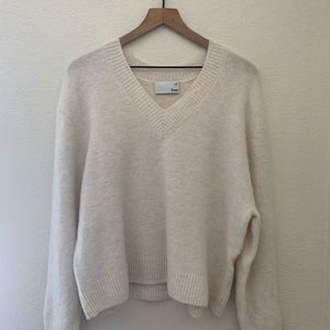 Aritzia Wilfred V-Neck Sweater Medium